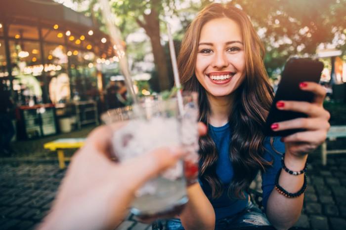 「出身大学どこ?」って露骨に…飲み会で嫌われる「アラサー女」の特徴2つ
