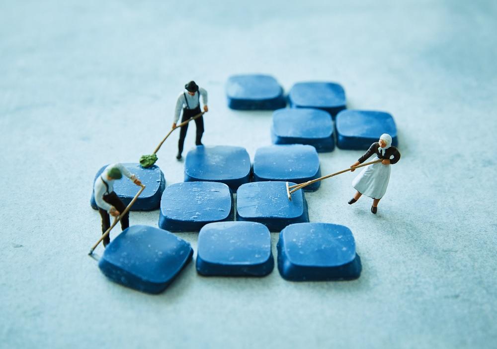 青い石がチョコレートに!? フランス発「幸福のチョコレート」