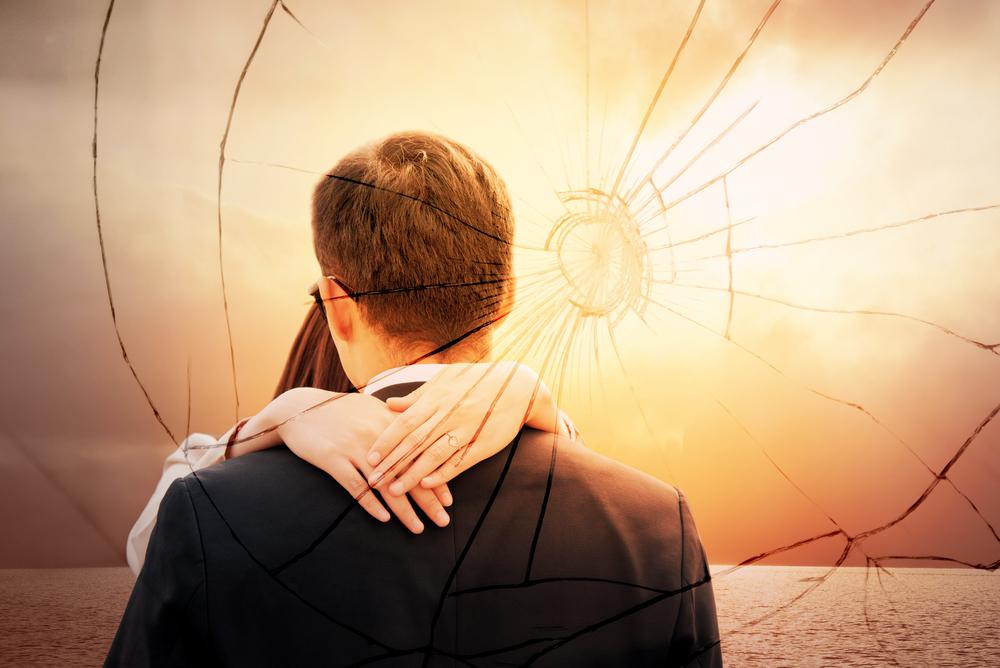 結婚して豹変!「モラハラ夫になる男」の特徴…|幸せそうなフリはもうやめよう♡みんなの離婚理由を直撃ッ vol3.