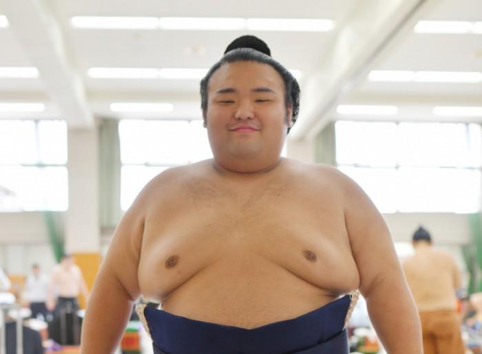 相撲界の新星・貴景勝関はスキンケアにうるさい!?『大相撲観戦ガイド』裏話その2