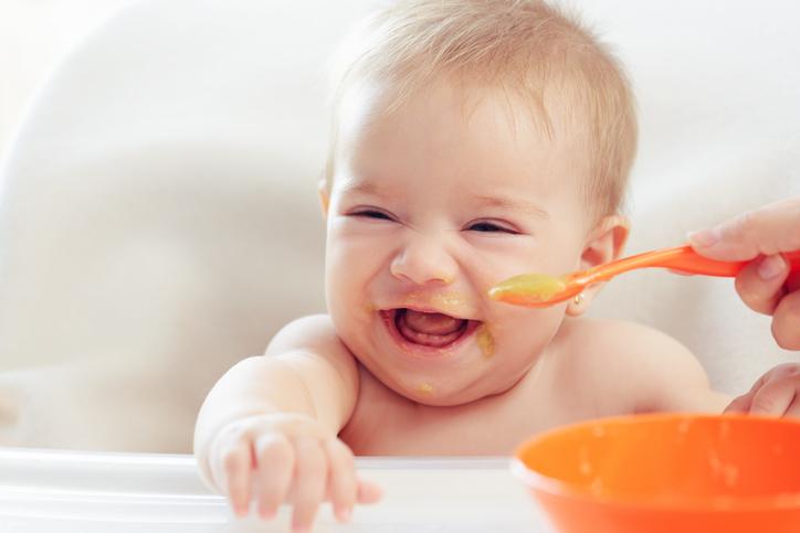 新米ママを助ける育児Q&A「離乳食はいつから始めればいい?」