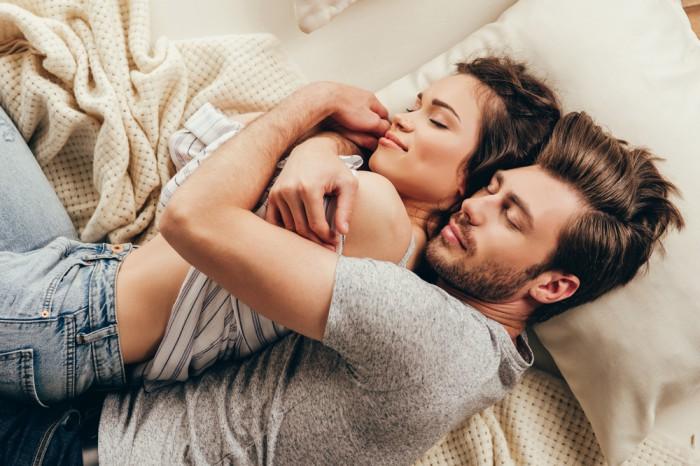 後ろ姿たまんねぇ…男が抱きしめたくなる女性のたたずまい