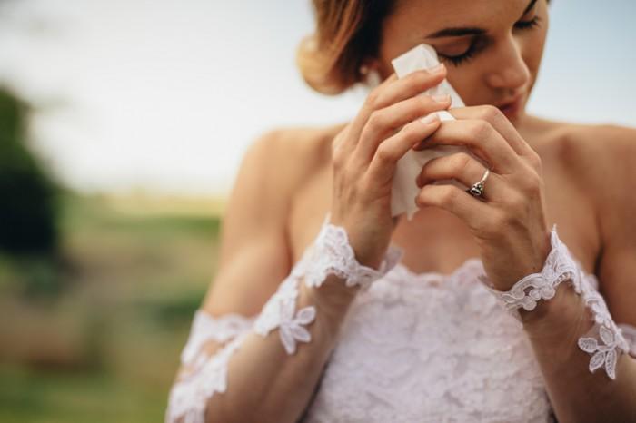 知人が白ドレスで来た…ありえねーっ! 結婚式の「悲惨すぎる体験談」
