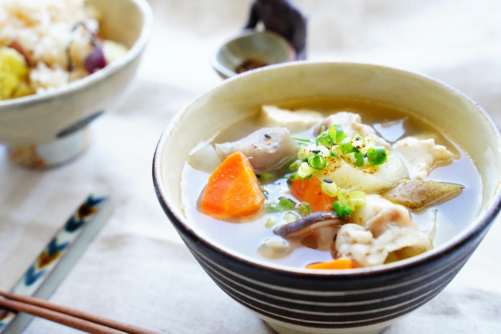「うっめぇ~!」…冬のおうちデートで男が心底喜ぶ「簡単豚汁レシピ」