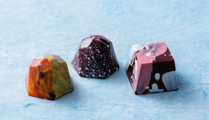 野菊、赤しそ、烏龍茶、チリ…チョコで世界を旅してみた!