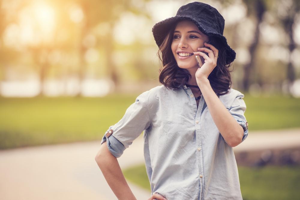 友達以上恋人未満!電話中「男がグッとくる」女子の発言3つ