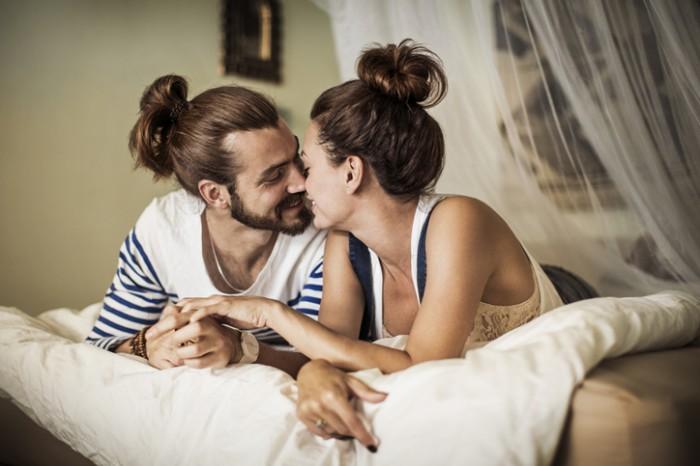 今夜抱きたい…お家デートに聴きたい「盛り上がるラブラブBGM」6選