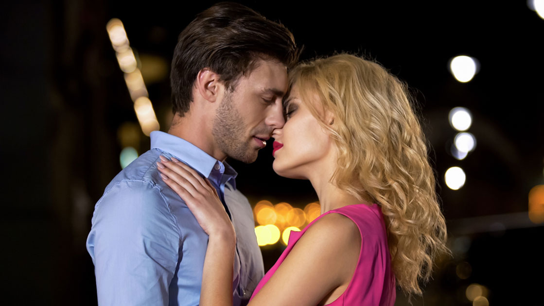 抱きしめたい…男がキュンとする「女子の甘え行動」4選