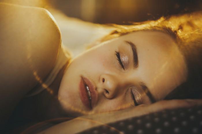 ランチ腹八分目で睡眠の質up!…ダイエットも美肌も叶う簡単な生活習慣