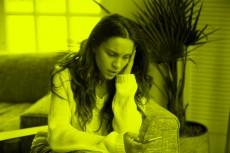 冷や汗ダラリ… 不倫女が夫に誤爆した「危機一髪LINE」3選