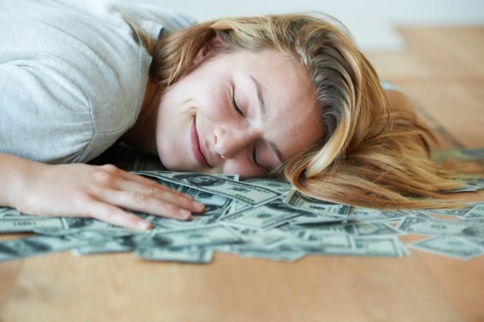 眠るだけでお金持ちに!? 冬の「金運アップ」睡眠法4選