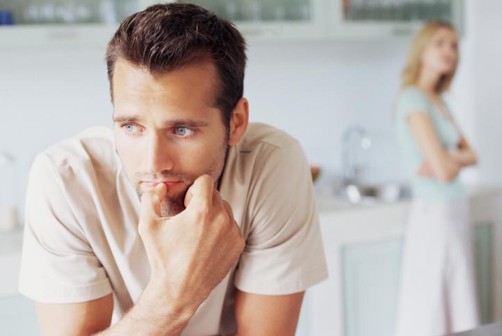悲惨! 男が離れていく…「恋が長続きしない」女性の特徴