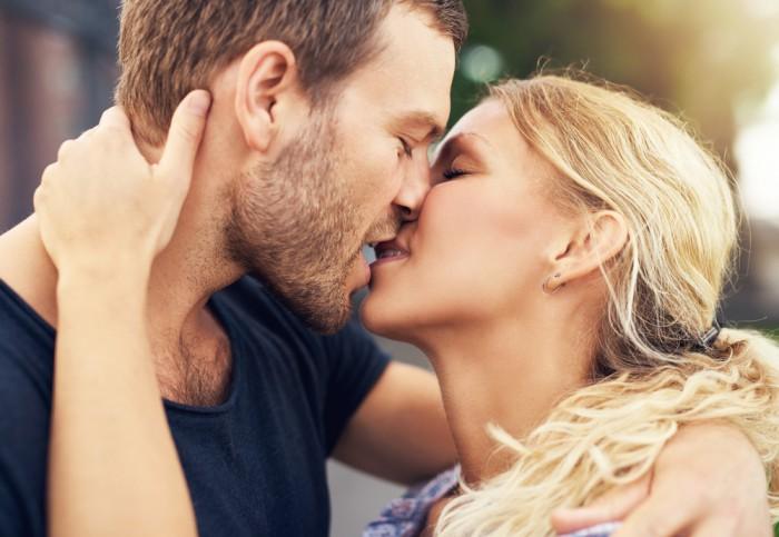 【心理テスト】好きな髪型で分かる! 彼が「本当に好きなキス」は…?