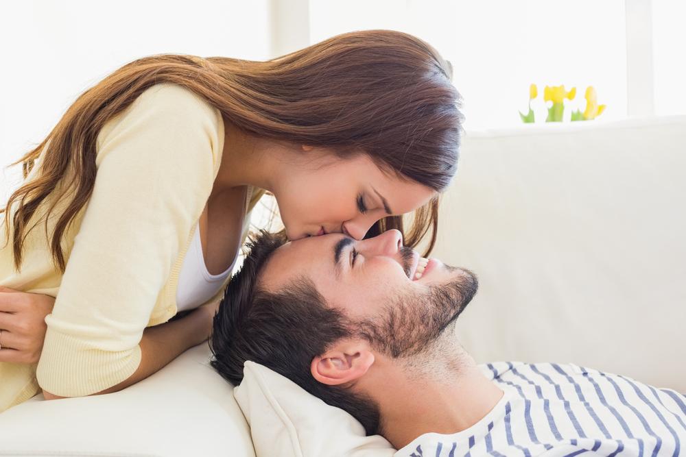 アノ姿で応援…男が「早く結婚したくなった」彼女の言動4つ