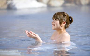 「美人の湯」だけじゃない!11月26日、いい風呂の日に知りたい女子向け温泉9選