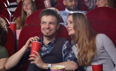 「純愛」から「痛男」まで!年末年始、デートで観たい恋愛映画3選+α