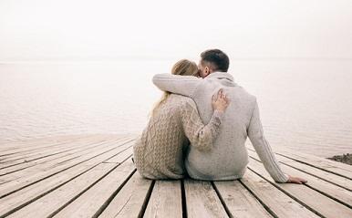 恋が愛に変わったサイン4つ!あなたの彼への想いは恋?それとも愛情?
