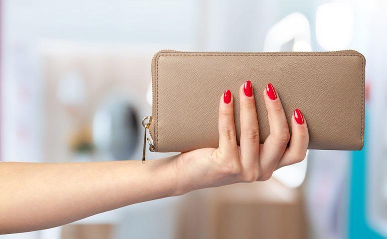 「残念な財布」は良縁を逃す?アラサー男子が語る、女子のNG財布