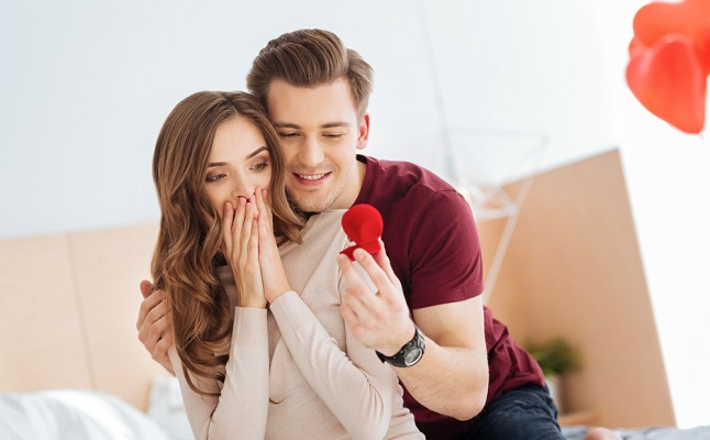 カレはどんなプロポーズをしてくれる?運命数でわかる「求婚の傾向」