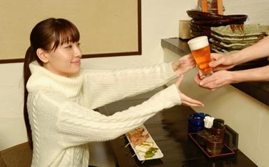 「ひとり飲み」女子はなぜモテる?『ワカコ酒』に学ぶソロ活動女子の魅力