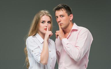 切ない「禁断の恋」体験談3つ!親友の彼氏と…上司との秘密の恋…