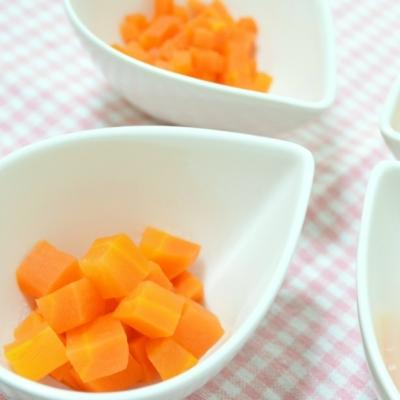 離乳食、野菜は何から食べさせる?気を付けるポイントは?