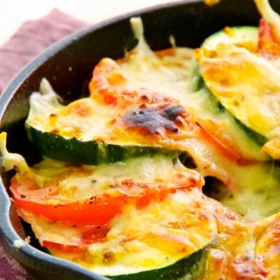 きゅうりの仲間じゃなかった?!生でも食べられる夏野菜「ズッキーニ」を使いこなそう
