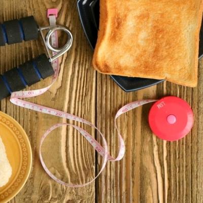 運動前後に食事はとるべき?安全に体を動かすための食事とは?
