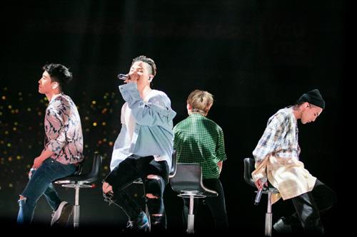 BIGBANG、約半年ぶりのステージにファン熱狂!