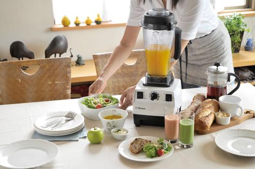 早起きは三文の得!? 朝食を摂る人はモテて年収も高い?