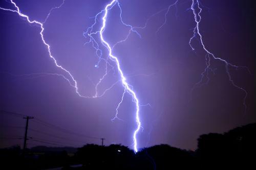 6月26日は雷記念日!アプリで雷情報をいち早くキャッチ