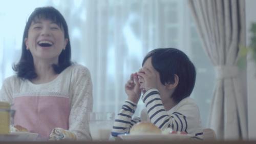 【感動動画】息子の成長を見守る母の姿が泣ける