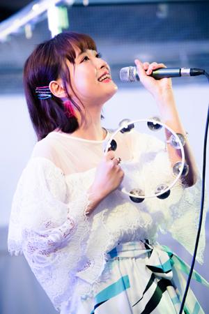 大原櫻子、フリーライブで2000人のファンと大合唱!