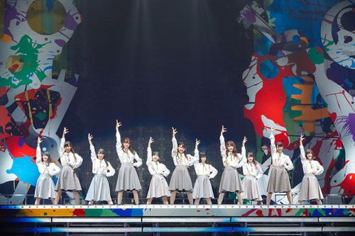欅坂46、初の全国ツアー完走! ファン1万8千人が熱狂