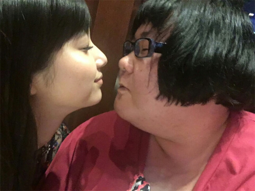 安藤なつ、新川優愛とチュー寸前写真にファン騒然!