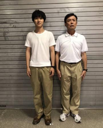 """山﨑賢人、光石研との""""双子コーデ""""姿が大反響!"""