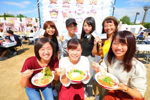 「ラーメン女子博」大阪で初開催! 初日から大盛況