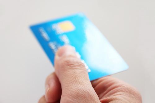 日々の買い物…あなたは現金派? それともカード派?