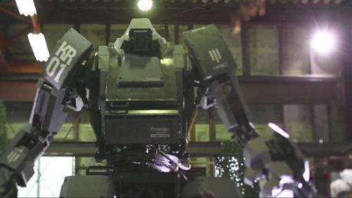 日米対決で話題のロボット:クラタスのコラボ動画公開