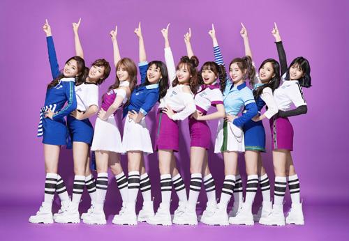TWICE旋風! 1stシングルがオリコン週間ランク1位獲得