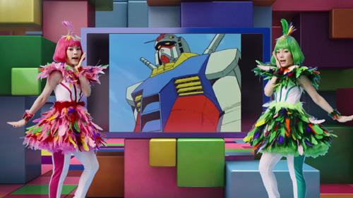 双子タレント:MIOYAEが鳥の妖精姿で息ぴったりのダンス