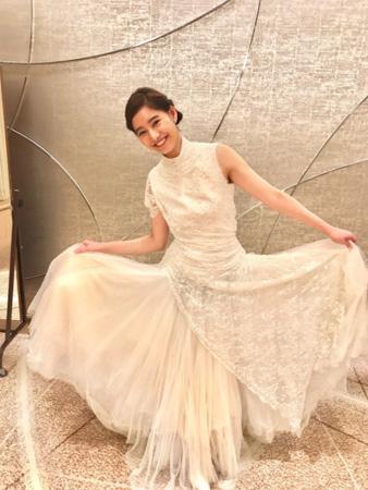 『ドメキス』新木優子、ウエディングドレス姿を公開