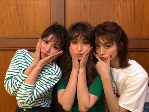 石川恋、仲良しショット公開に「3人の写真最強すぎ」