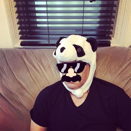 比嘉愛未、パンダの被り物姿のパパ公開にファンざわつく