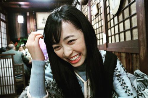 """福原遥""""彼女とデートなう""""公開にファン「完璧な彼女」"""