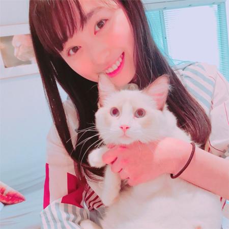 """反則級の可愛さ! 福原遥&癒しの""""猫""""にファン悶絶"""