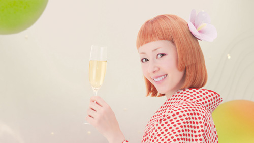 木村カエラ、新CM「さらりとした梅酒」で歌声披露!