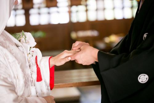 NMB48山本彩、新婚よゐこ濱口との2ショットの後ろに…