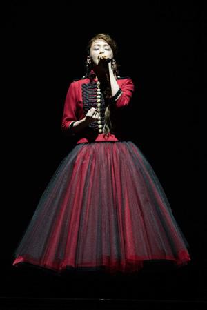 安室奈美恵、引退前のラストツアー完走「最後は笑顔で」
