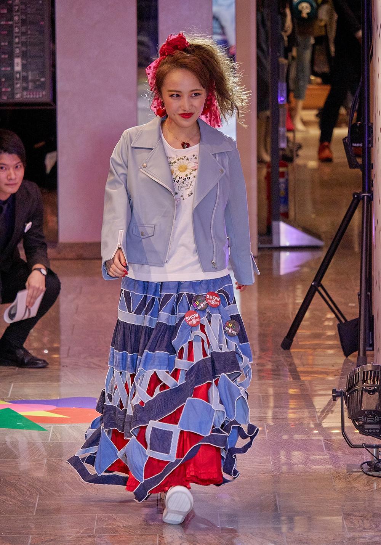 ももクロが新宿伊勢丹でファッションショーを開催!